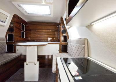 AZAR4 - Entwicklung eines Camper für 4x4 Pickup - pickup camper interior kitchen 400x284 - Wie ist ein Camper auf einem Pick-Up aufgebaut?