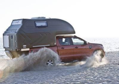 AZAR4 - Entwicklung eines Camper für 4x4 Pickup - pick up camper dynamiczny 400x284 - Auf der Suche nach Abenteuern mit einem Camper auf einem Pickup. Die interessantesten Reiseziele.