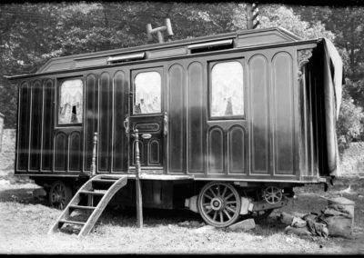 AZAR4 - Entwicklung eines Camper für 4x4 Pickup - camperhistoria 400x284 - Kleine Geschichte des Caravanings (für Camper auf einem Pickup)