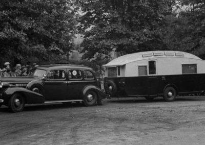 AZAR4 - Entwicklung eines Camper für 4x4 Pickup - ford2 400x284 - Kleine Geschichte des Caravanings (für Camper auf einem Pickup)