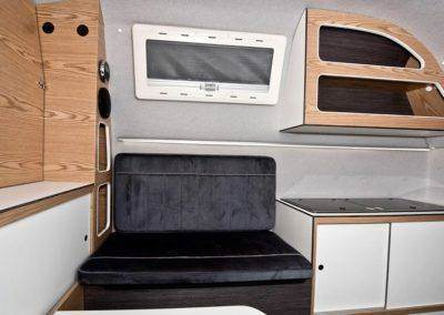AZAR4 - Entwicklung eines Camper für 4x4 Pickup - wnetrze2 min 400x284 - Was beinhaltet die die Pickup Camper Ausrüstung?